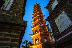 Tran Quoc den äldsta templet arkivbilder