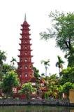 Tran Quoc Pagoda i Hanoi royaltyfri bild