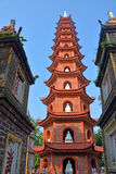 Tran Quoc Pagoda West Lake Hanoi royaltyfria bilder
