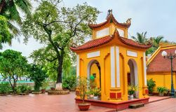 Tran Quoc Pagode in Hanoi, Vietnam lizenzfreie stockfotografie