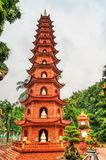 tran vietnam f?r hanoi pagodaquoc royaltyfri foto