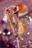 Tranbär i ett exponeringsglas av Champagne Royaltyfri Bild