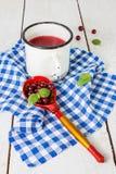 Tranbärfruktsaft arkivbild