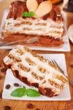 Tranche de gâteau de tiramisu Photos stock
