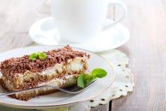 Tranche de gâteau de tiramisu Image libre de droits