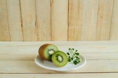 Tranche de kiwis ou de groseille à maquereau chinoise Image libre de droits