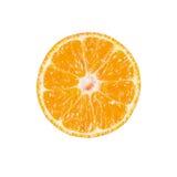 Tranche de mandarine mûre d'isolement sur le blanc image libre de droits