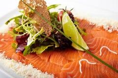 Tranche de saumons du plat images libres de droits
