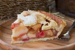 Tranche de tarte de canneberge d'Apple Photographie stock libre de droits