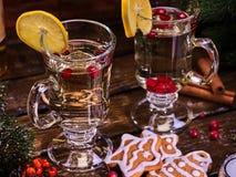 Tranche et biscuits de citron de décoration de tasse de Noël de plat Photographie stock libre de droits