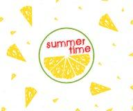 Tranches d'agrumes de citron, heure d'été de tranche de citron sur le fond blanc, Photo libre de droits