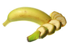 Tranches de banane d'isolement sur le fond blanc Photos stock
