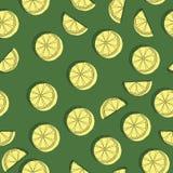 Tranches de citron à l'arrière-plan Papier peint de fruit Modèle sans couture coloré avec la collection de fruit frais Images stock