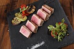 Tranches de filet de thon Photos libres de droits