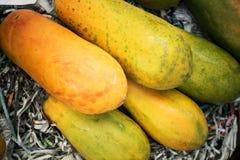 Tranches de fond doux de papaye Images libres de droits