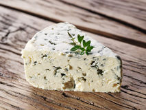 Tranches de fromage bleu danois Photo stock