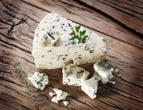 Tranches de fromage bleu danois Photographie stock