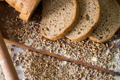 Tranches de pain intégral Images libres de droits