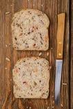 Tranches de pain nouvellement fabriqué Photographie stock libre de droits