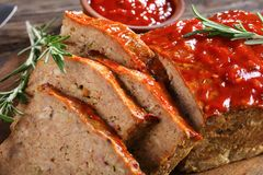 Tranches de pain de viande classique savoureux, plan rapproché Image libre de droits
