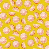 Tranches de pamplemousse sur le fond jaune Modèle sans couture de vecteur d'agrume illustration de vecteur