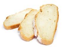 Tranches de pan de payes, un pain rond typique de la Catalogne, Spai Images stock