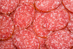 Tranches de salami, macro vue Image stock