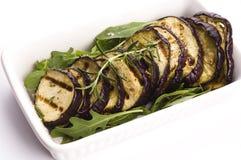 Tranches grillées d'aubergine d'un plat Photos stock