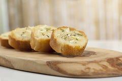 Tranches grillées de pain de baguette Photographie stock