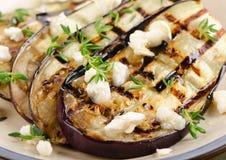 Tranches grillées d'aubergine d'un plat Images stock