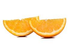 Tranches oranges fraîches d'isolement sur le blanc images libres de droits