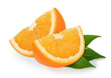 Tranches oranges sur le blanc images stock