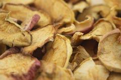 Tranches sèches savoureuses de pomme photo libre de droits