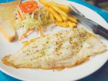 Trancio di pesce arrostito di stile tailandese Immagini Stock