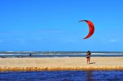 Trancoso, Bahía, el Brasil 29 de julio de 2017: Playa de los naturales Fotografía de archivo libre de regalías