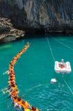 TRANG,泰国- 6月11 :鲜绿色洞或Morakot洞6月 免版税库存图片