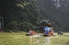 Trang un complexe de paysage, site de patrimoine mondial de l'UNESCO, province de Ninh Bình, Vietnam photo stock