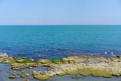 Trani-Ansicht über Küste lizenzfreie stockbilder