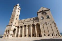 Trani (Apulia, Italië) - Middeleeuwse kathedraal royalty-vrije stock afbeelding