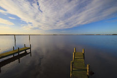 A tranquil sunset over a lake Royalty Free Stock Photography