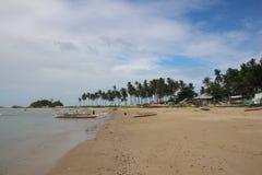 Tranquilité sur de belles plages jumelles abandonnées de Nacpan et de Calitan à l'EL Nido, Palawan, Philippines Photographie stock libre de droits