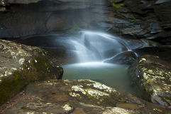 Tranquill-Wasserfall Lizenzfreies Stockfoto