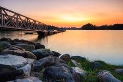 Tranquillamente tramonto il molo. Fotografia Stock