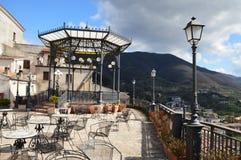 Tranquille et silence pendant l'heure du repos dans cette ville italienne images stock