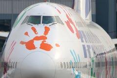 Transaero Boeing 747 in de livrei die van de Hoopvlucht bij de internationale luchthaven van Vnukovo taxi?en Stock Foto