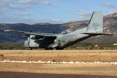 Transall C-160 prêt pour le décollage à Calvi photographie stock libre de droits