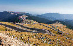 Transalpina de hoogste hoogteweg Stock Foto