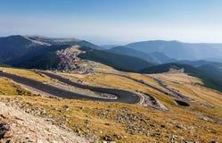 Transalpina la route de l'altitude la plus élevée Photo stock