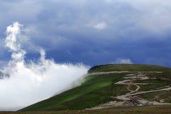Transalpina väg, Transylvanian fjällängar, Rumänien fotografering för bildbyråer