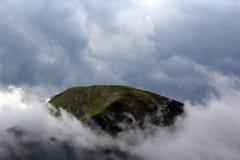 Transalpina väg, Transylvanian fjällängar, Rumänien royaltyfri fotografi